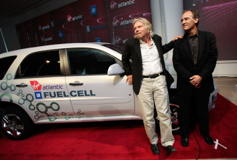 IMAGE: BRANSON, GM EXEC WITH FUEL CELL CAR