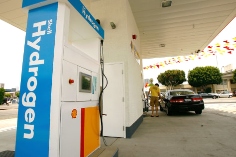 IMAGE: Hydrogen Refueling Station In Los Angeles