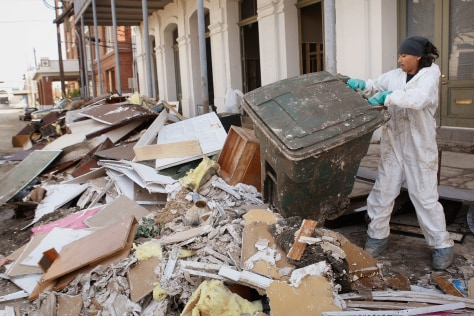 Image: Debris removed from Galveston art gallery