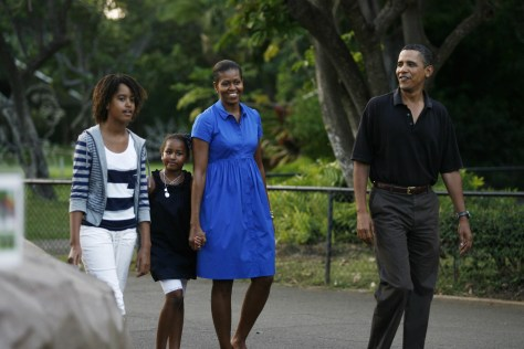 Image: Obama family visits zoo