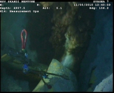 Image: Leaking riser pipe at bottom of sea