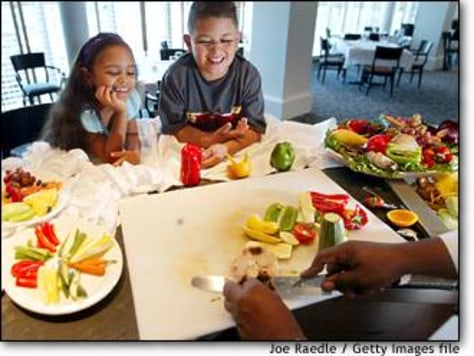 Image: Kids, Parents Try Healthy Living