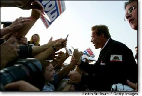 Image: Schwarzenegger Embarks On One-Day Tour