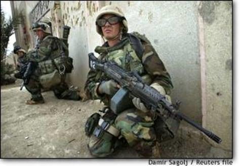 Image: Marines Keep Watch During Street Fighting In Nassiriyah