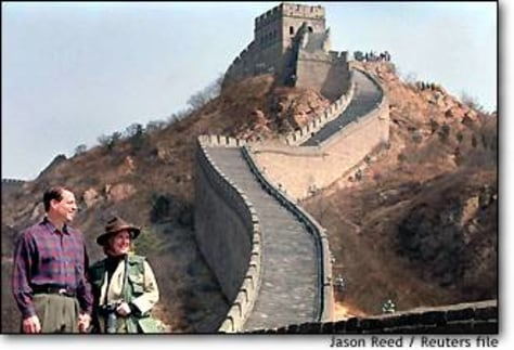 Image: Gore at the Great Wall