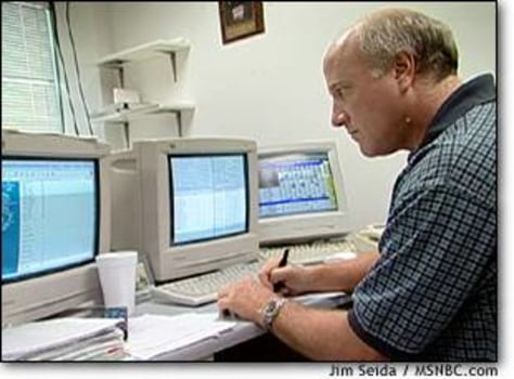 Image: Schillinger eyes computer monitors