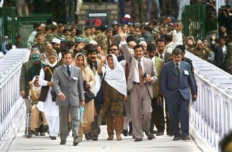 Image: Kashmir bus passengers