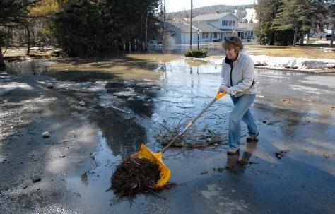 Image: Flood cleanup