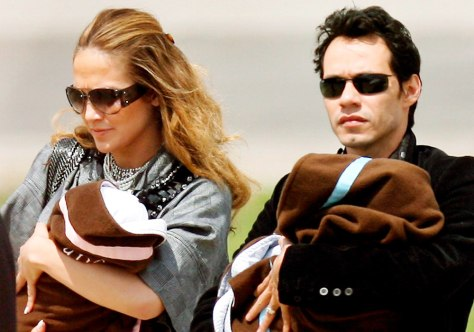 Image: Jennifer Lopez and Marc Anthony and the twins