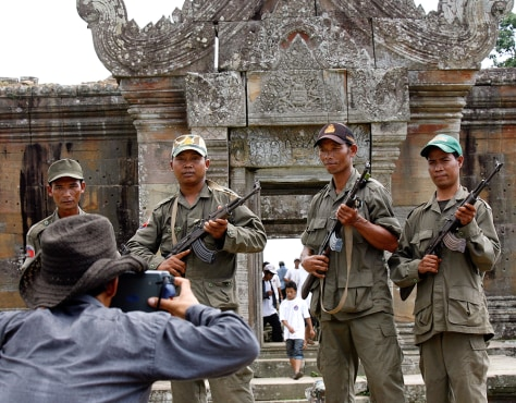 Image: Cambodian soldiers at Preah Vihear temple