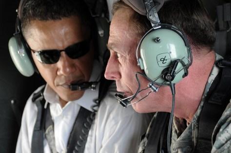 Image: Barack Obama, Gen. David Petraeus