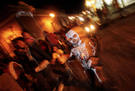 Image: Day of the dead parade