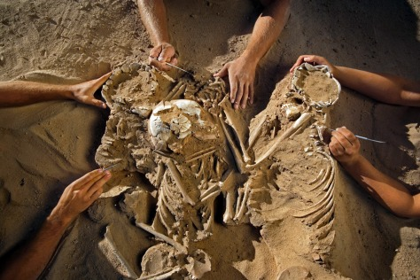 Image: A triple burial
