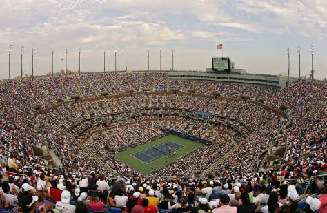 Image: Fans fill Arthur Ashe Stadium