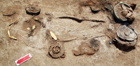 Image: A woman's grave with gold jewelry, one of the latest findings in the ancient cemetery in Pella.
