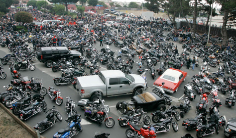 Image: Motorcycles fill a parking lot for the San Francisco Hells Angels' leader funeral