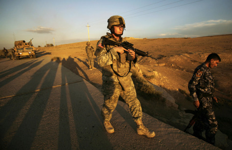 Image: U.S. Army soldier in Iraq