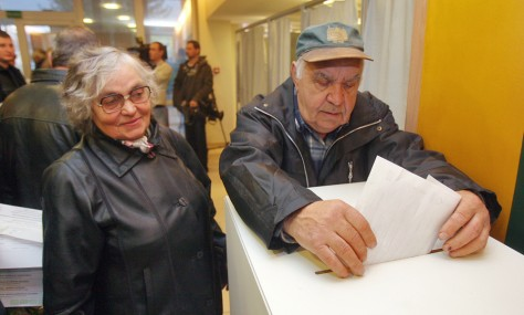 Image: Lithuanians vote