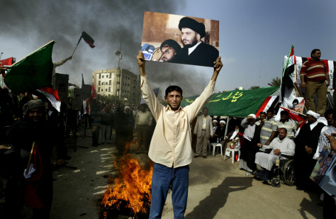 Image: Demonstrators protesting U.S.-Iraqi pact