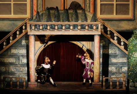 Image: Puppets perform Mozart's opera Don Giovanni