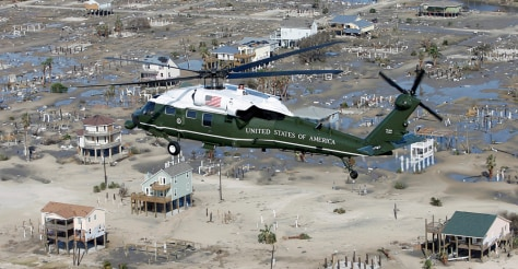 Image: Bush flies over hurricane damaged areas of Texas