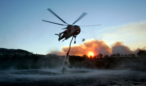 Image: Helicopter fighting Calif. fire