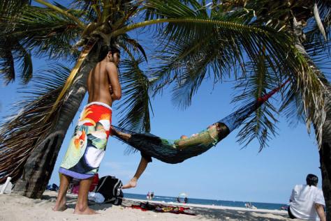 Image: Fort Lauderdale beach scene