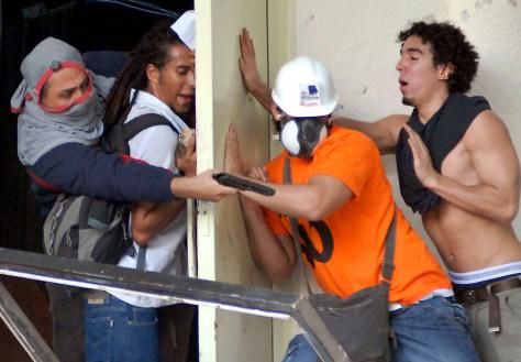 Image: Venezuela scuffle