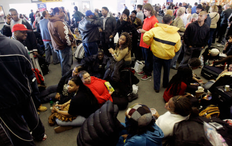 Image: Crowded airport