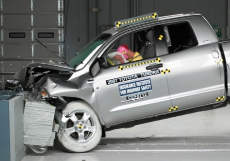 Image: Toyota Tundra crash test
