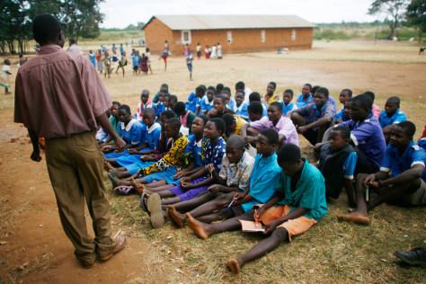 Image: Outdoor Malawi classroom