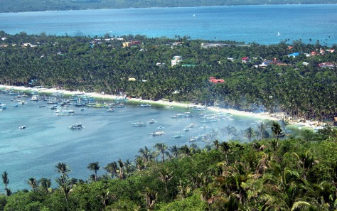 "Image: ""White beach"" of the central Philippine island of Boracay"