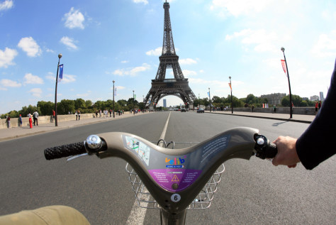 Image: Biking in Paris (Velib')