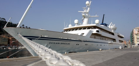 Image: The 82-metre (270-feet) Ocean Breeze