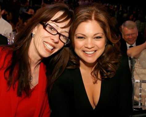 Image: Actresses Mackenzie Phillips (L) and Valerie Bertinelli