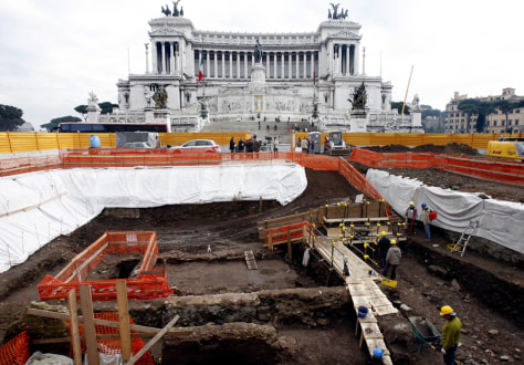 Image: Dig at Rome's Piazza Venezia Square