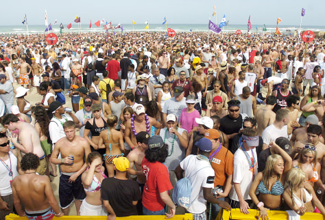 Image: Spring break in South Padre Island, Texas