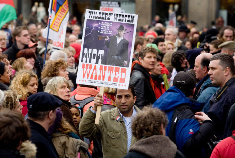 Image: Quran film protest