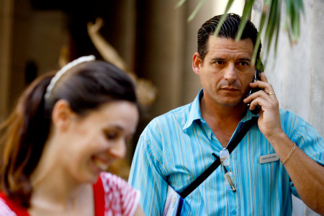Image: Cell phones in Cuba