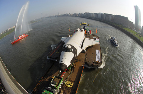 Image: Buran transported on barge