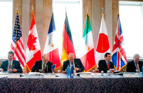 Image: Finance ministers at G-7 meetings in Washington