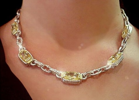 Image: Rental jewelry