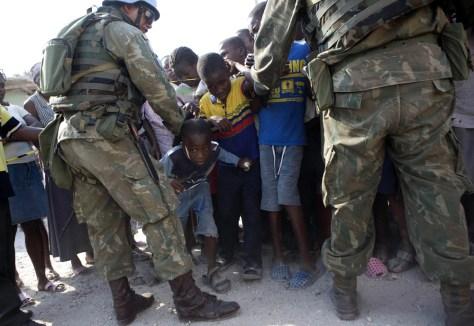 Image: Food line in Haiti
