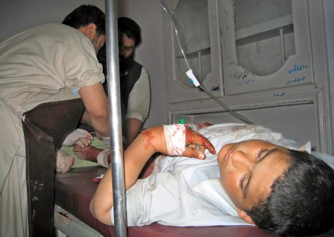 Image: Injured victims of Spin Boldak suicide attack receives treatment at Chaman hospital.