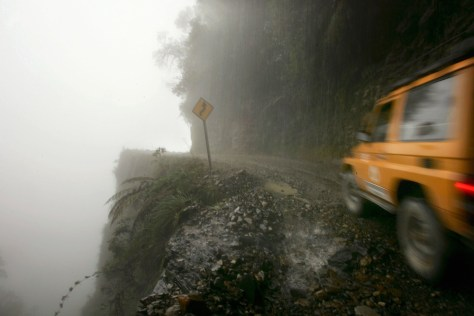 Image: North Yungas Road