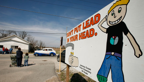 Image: Sign warning about lead hazards