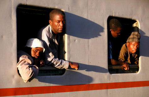 Image: Immigrants leaving South Africa