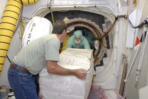 Image: Loading toilet replacement parts