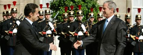Image: George W. Bush, Nicolas Sarkozy