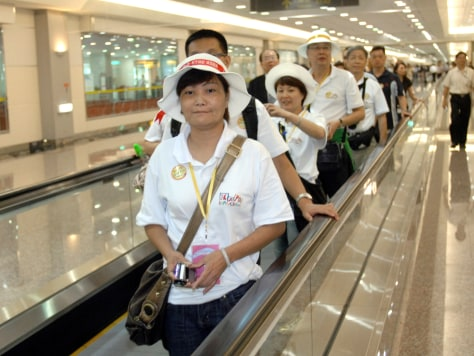 Image: Chinese arrive in Taiwan